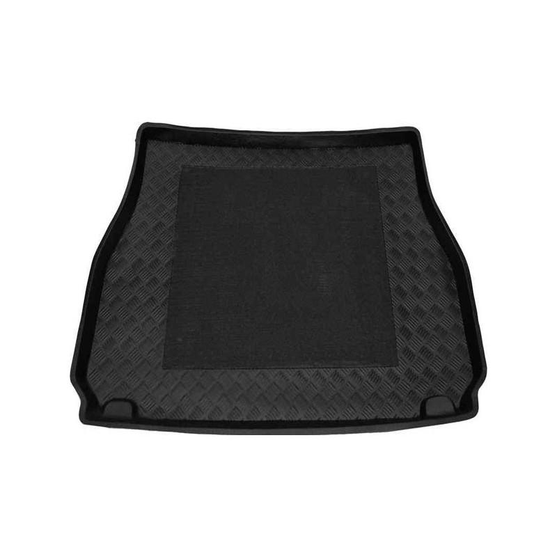 tapis bac de coffre tapis de coffre sur mesure cayenne couleur n. Black Bedroom Furniture Sets. Home Design Ideas